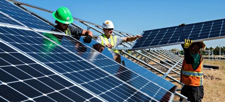 como economizar dinheiro na empresa com bombeamento solar